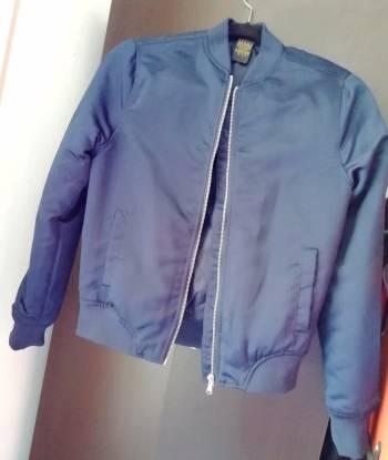 Bomb jacket azul metálico