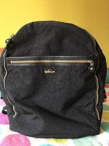 Backpack negra animal print serpiente