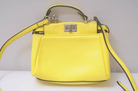 Crossbody amarillo