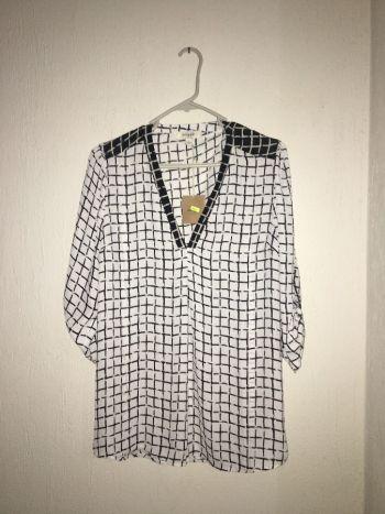 Blusa cuadros blanco y negro