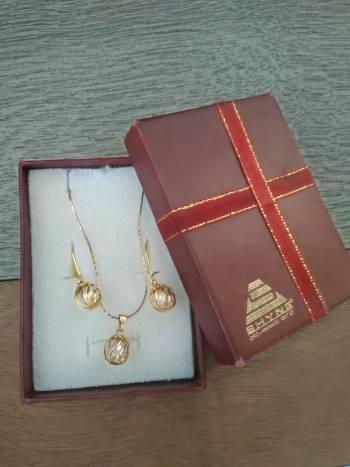 Conjunto joyería aretes y cadena