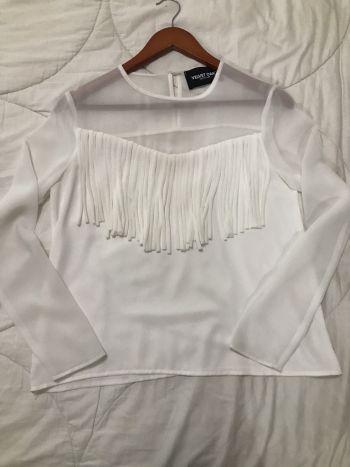 Blusa blanca con flecos!