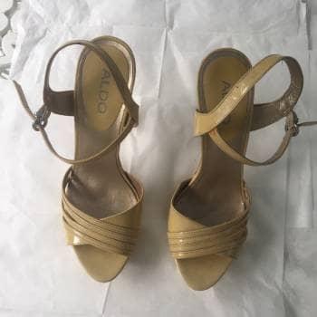 Zapatos Charol Amarillo Marca ALDO