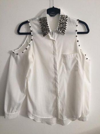 Blusa Blanca con Detalles