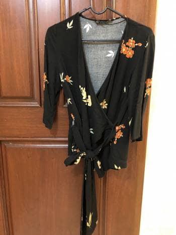 Blusa kimono con flores