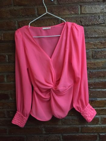 Blusa rosa neon