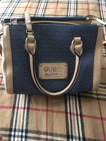 022d28c8 Bolsa azul Guess - GoTrendier - 1071043