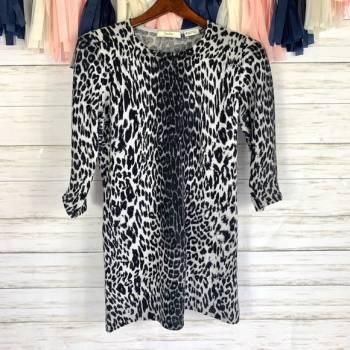 Blusa larga o blusón de lana cahmere animal print