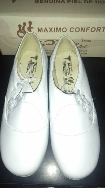 Zapatos blancos médicos