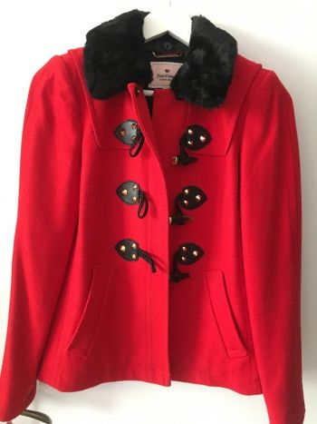 Abrigo rojo juciy