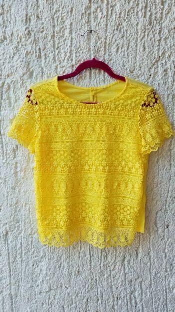 Blusa yellow crochet