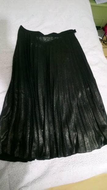 Falda verde obscura con brillos