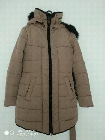 Chamarra de invierno being fashionable