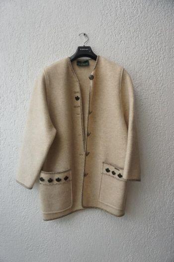 Abrigo beige artesanal oaxaca