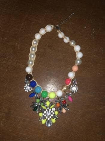 Hermoso colla perlas