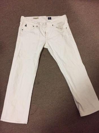 Jeans blancos estilo tom boy
