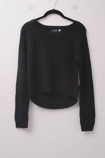 Suéter negro tejido de punto