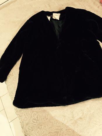 Abrigo negro P&B