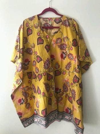 Bluson amarillo con flores
