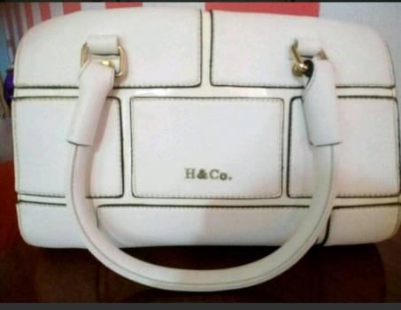 Hermosa bolsa bca h&co