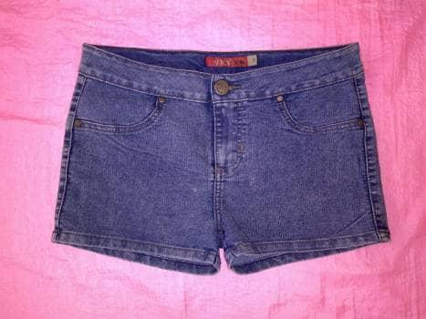 2️⃣✖️1️⃣ Shorts Azul de Mezclilla a la cadera T11