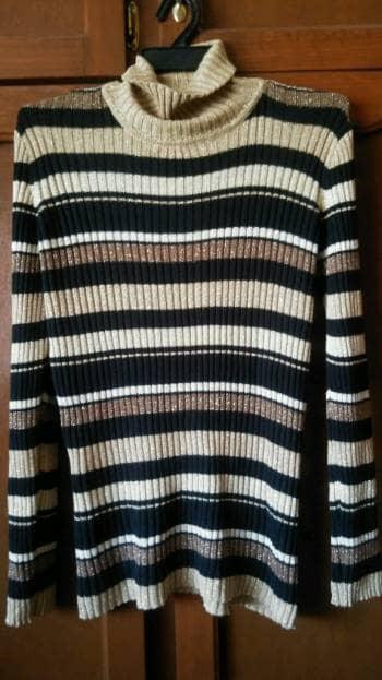 Blusón tipo suéter beige con negro 2x1 o gratis