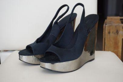 Sandalias azules de plataforma