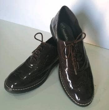 Zapatos de charol café