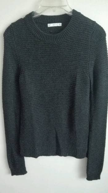 Suéter negro manga larga