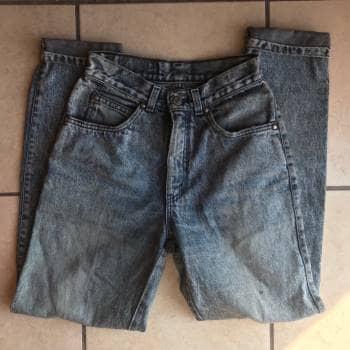 Levis Mom Jeans VENDIDO