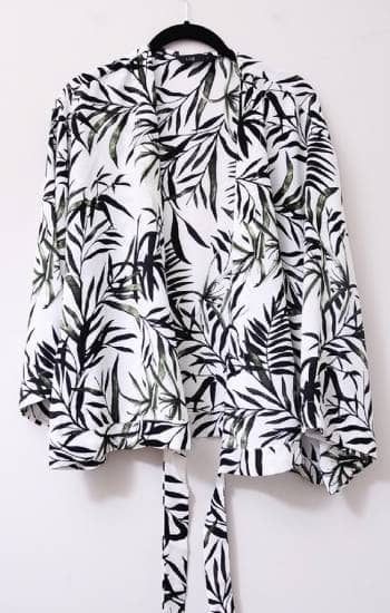 Blouse leaves