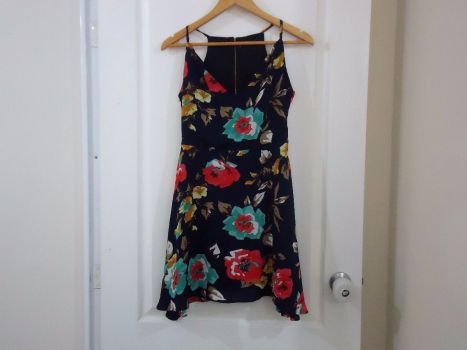 Vestido floral asimetrico