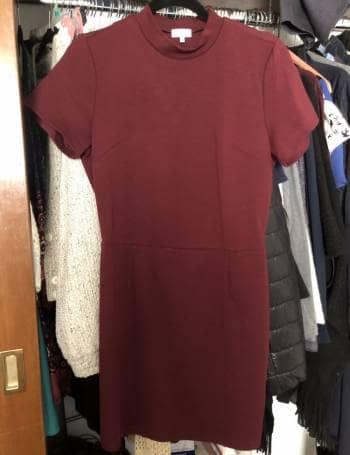 Vestido corto color vino