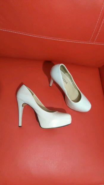 Zapatos beige Perugia