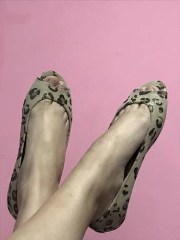 Peep toes flats animal print