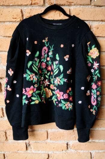 Suéter con flores