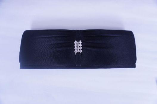 Bolso negro tipo clutch