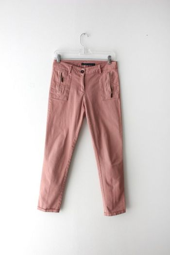 Pantalón con detalle de cierres