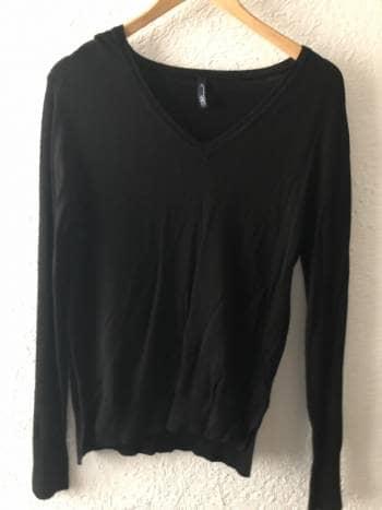 Sweater cerrado cuello V