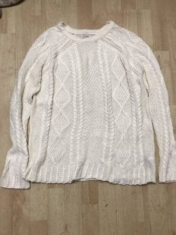Sueter beige pull and bear