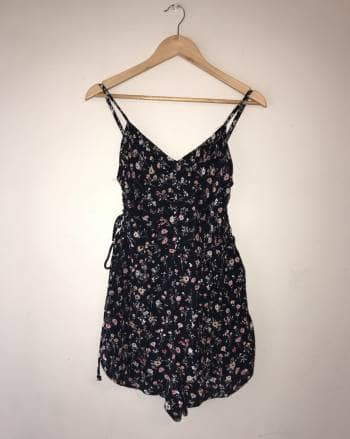 Vestido-short bershka floreado